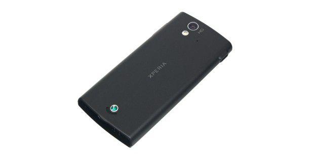 Sony Ericsson Xperia Ray mit einer 8,1-Megapixel-Kameraund LED-Licht.