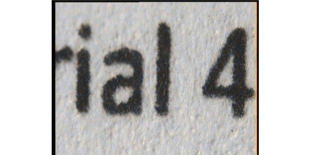 Die Buchstabenschärfe des Lexmark X548dte stimmt, wie dieNahaufnahme des nur vier Punkt kleinen Textausschnittszeigt.