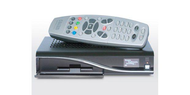 Die winzige Dreambox ist ein Linux-basierter Receiver mitSmartcard-Reader. Sie ist unter TV-Freaks auch deshalb so beliebt,weil sie das für PayTV nötige CA-Modul durch ein SoftCAM-Programmemuliert. Mit etwas Trickserei lassen sich so einige DRM-Hürdenumgehen.
