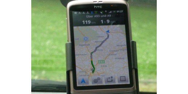 Zusammen mit einem passenden KFZ-Kit wird das Smartphonezur perfekten Navigationslösung.