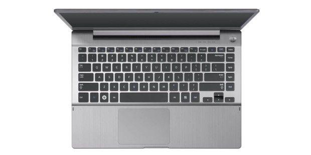 Die vollwertige Tastatur nutzt die komplette Breite desGehäuses aus und hat sogar einen Ziffernblock im Standardformatintegriert.