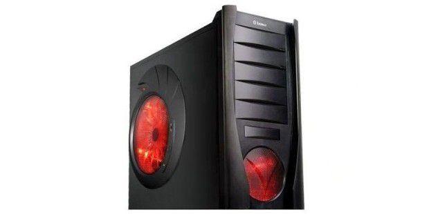 Der Arlt Core i7 Xtreme Gamer GTX295 mit beleuchteten Lüftungsöffnungen