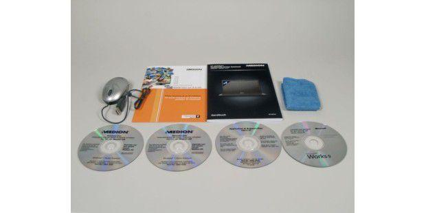 Medion legt zwei Wiederherstellungs-DVDs bei: die 32- unddie 64-Bit-Variante von Windows 7 Home Premium