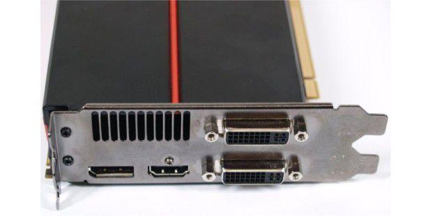 DVI-, HDMI- und Display-Port-Ausgänge der AMD-GrafikkarteATI Radeon HD 5870