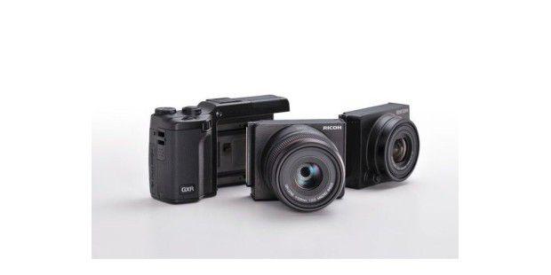 Ricoh GXR: Das Kameragehäuse wird um Module ergänzt, diedas Objektiv, den Bildsensor und den Bildprozessorenthalten.