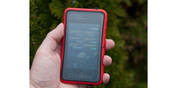 Die SEeLABox schützt das iPhone vor Wasser