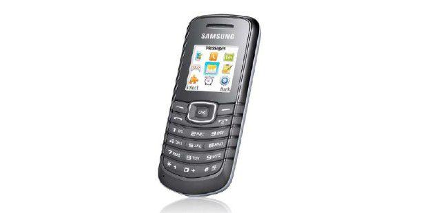 Wenn Sie sich eine neue SIM-Karte fürs Smartphone zugelegthaben, bleiben Sie während des Urlaubs mit einem Zweithandytelefonisch erreichbar.