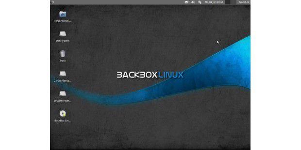 Der Desktop von BackBox: Hier kommt das schlanke XFCE zumEinsatz