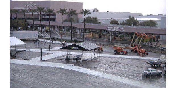 Letzte Aufbauarbeiten vor Start der CES 2011 in Las Vegas