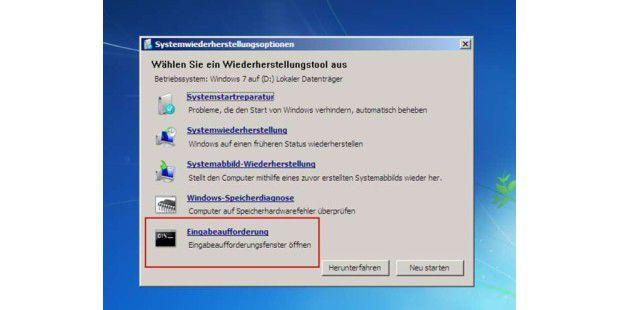 """Einbruch mit vollem Komfort: Die """"Computerreparaturinstallation"""" der Setup-CD von Windows Vista und 7 liefert eine Eingabeaufforderung gleich mit. Damit können Sie dann einen Registry-Editor starten und Ihr Werk beginnen"""