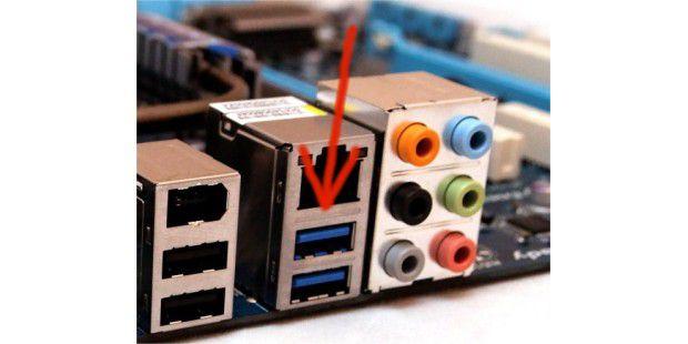Anhand der blauen Farbcodierung leicht zu erkennen:USB-3.0-Anschlussbuchse.