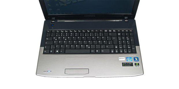 medion akoya p6812 akkulaufzeit bildschirm tastatur pc welt. Black Bedroom Furniture Sets. Home Design Ideas