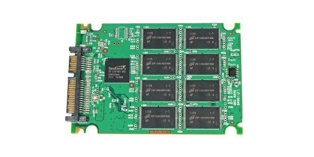 Vorderseite der SSD-Platine der Extrememory XLR8 Express240GB