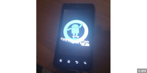 LG Optimus Speed mit CyanogenMod 7 ( (c) androidos.in )
