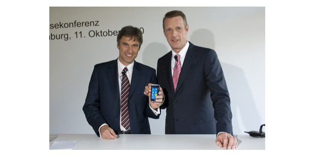 Achim Berg zeigt Windows Phone 7