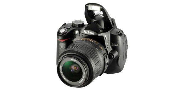 Nikon D5000: Mit HD-Videofunktion und Klappdisplay
