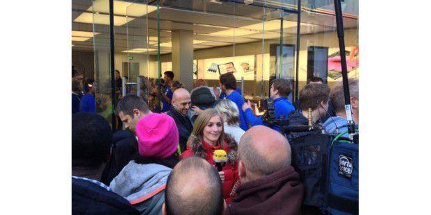iPhone 5 Verkaufsstart: Große Andrang beim Apple Store in München
