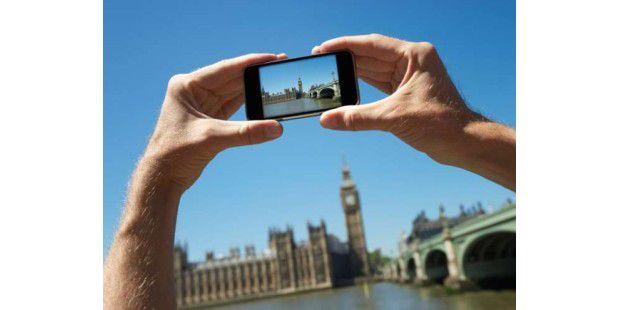 Das Fotografieren im Urlaub kostet nichts, das Versenden dagegen durchaus mal 60 Euro.