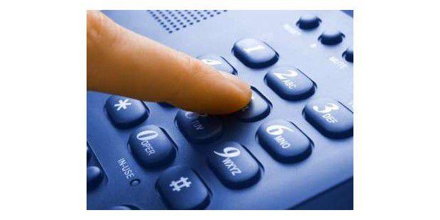 So telefonieren Sie kostenlos vom Handy und vom Festnetz aus