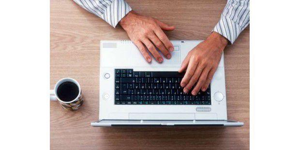 Der richtige Laptop macht die Arbeit leichter. Wir geben Tipps zum Notebook-Kauf für Freiberufler.