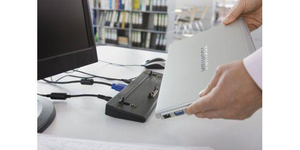 Flexibel: Eine Docking-Station macht das Notebook amSchreibtisch zum PC