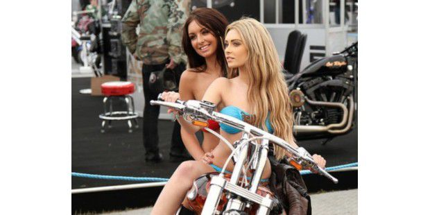 Die Ladys auf dem Bike