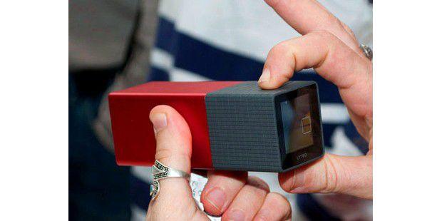 Das Äußere der Lytro-Lichtfeldkamera entspricht nicht demklassischen Fotoapparat, sondern eher dem einesKaleidoskops.