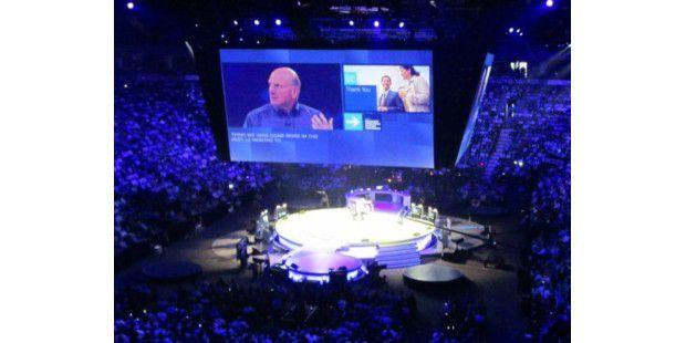 """Microsoft CEO Steve Ballmer kündigt in Toronto die """"neue Ära"""" an."""