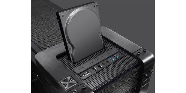 eSATA, USB 2.0, USB 3.0 undAudio-Klinken-Anschlüsse.