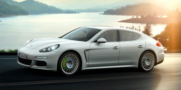 Porsche Panamera mit Porsche Communication Management, Aha-App und Car Connect-App im Test