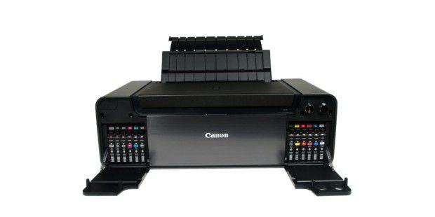 Seitlich hinter je einer Klappe platziert: Die 12 Tanksdes Tintenstrahldruckers Canon Pixma Pro-1