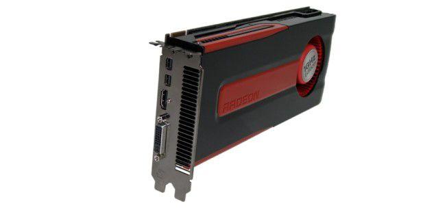 Auch die AMD Radeon HD 7870 kann mit vielen Anschlüssenaufwarten: zwei Mal Mini-Displayport, einmal HDMI undDVI.