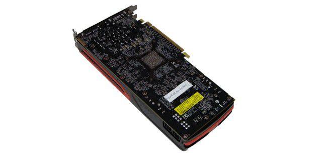 Die Unterseite der AMD Radeon HD 7870.