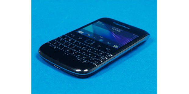 Der Blackberry Bold 9790 kommt mit vollwertigerQWERTZ-Tastatur.