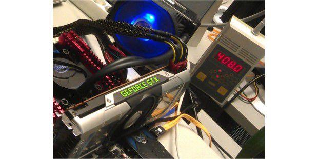 Schluckt über 400 Watt: Die Grafikkarten-Testplattform mitder Nvidia GeForce GTX 690