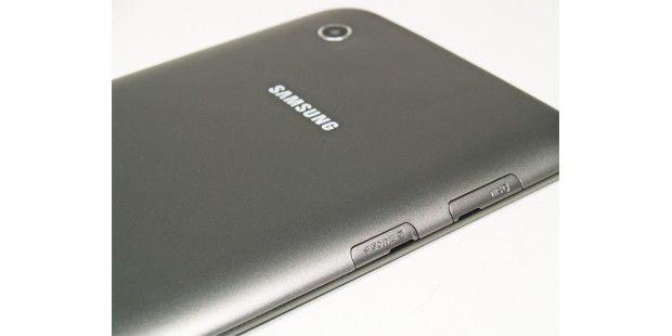 SIM-Karten-Schacht und Micro-SD-Einschub am Samsung GalaxyTab 2 7.0