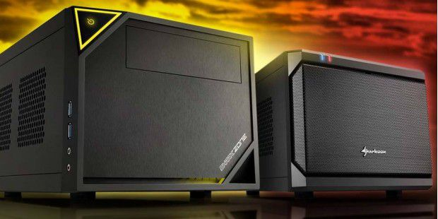 Links das Sharkoon Shark ZONE C10, rechts das QB ONE Mini-ITX PC Case.