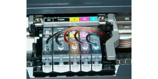Tinte aus der Leitung: Für kostenbewusste Vieldrucker sindexterne Tintenleitungssysteme eine Alternative zur Tintenversorgungdes Druckers.