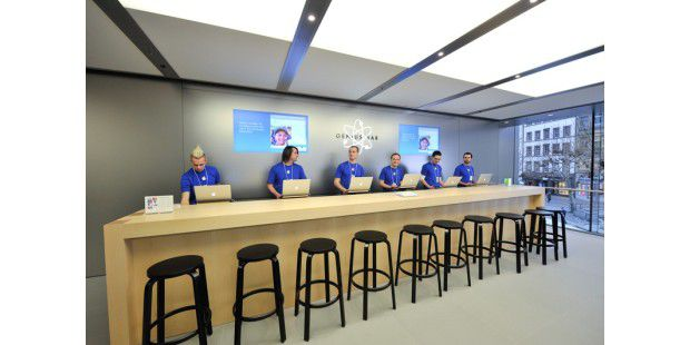 29 Shop oben Genius Bar_03