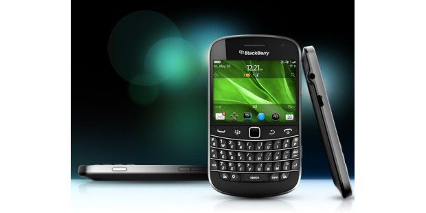 RIM Blackberry Bold 99x0 lowres PNG