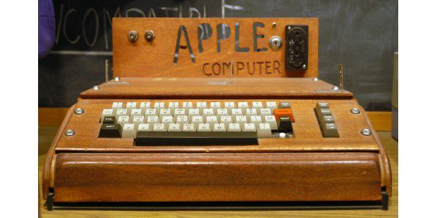 1976: Apple I © Ed Uthman