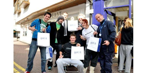 iphone4_first_customers_Kingstone