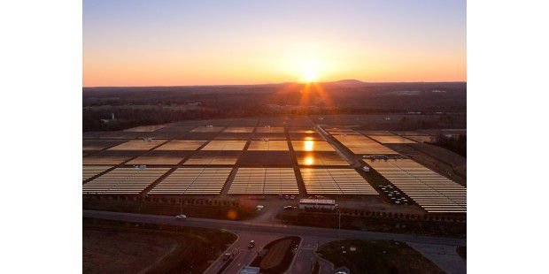 Die Solaranlage des Apple-Rechenzentrums in Maiden, North Carolina.