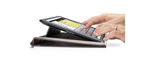 Dank der erhöhten Stellung lässt es sich auf dem iPad und iPad Mini sehr gut schreiben.