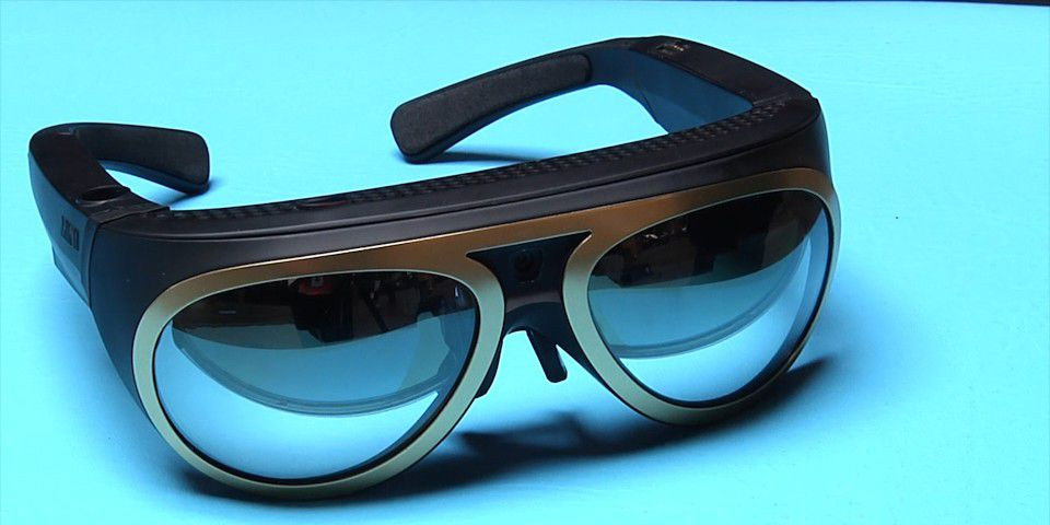 video bmw zeigt ar brille mit r ntgenblick pc welt. Black Bedroom Furniture Sets. Home Design Ideas