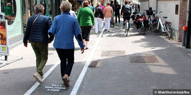 Mlab führt in Antwerpen Text Walking Lanes ein