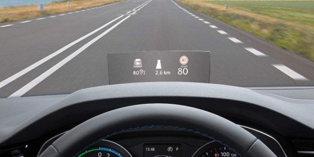 VW Passat ab sofort mit Head-up-Display