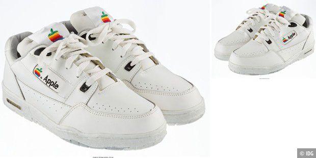 Vintage-Apple-Sneakers kommen für 15'000 Dollar unter den Hammer
