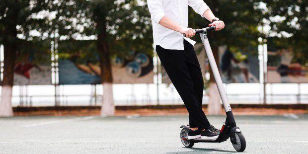 E Scooter Die Besten Modelle Mit Straßenzulassung Pc Welt